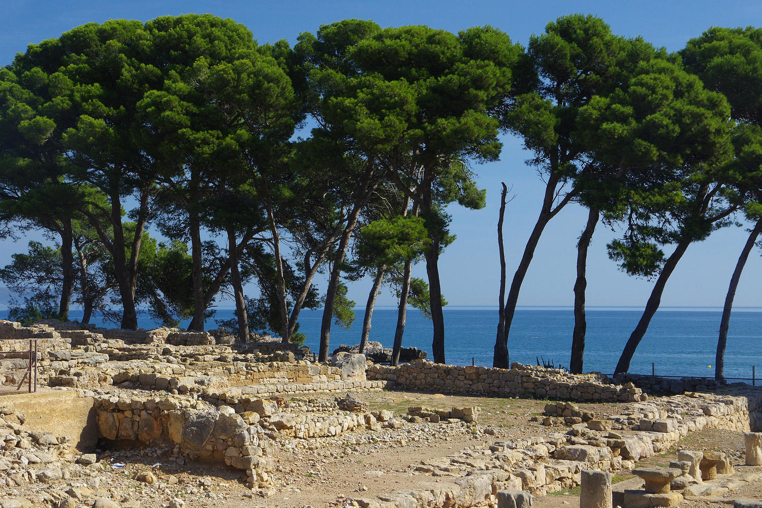 Ruins, trees and the sea at Empuries