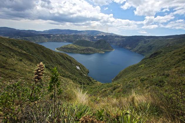 Ecuador imababura laguna de cuicocha 3 chris bladon