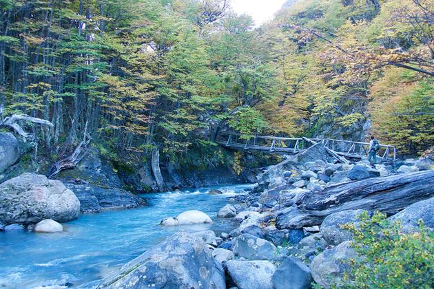 Chile patagonia torres del paine hiking up valle ascencio 020180829 76980 nav1ui