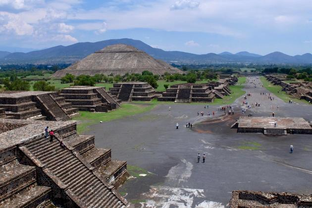 Mexico teotihuacan view from temple of the moon