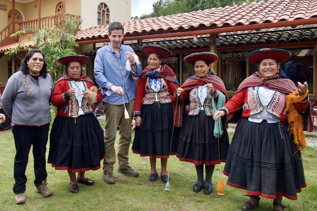 Peru sacred valley chinchero womens weaving cooperative tom spinning yarn