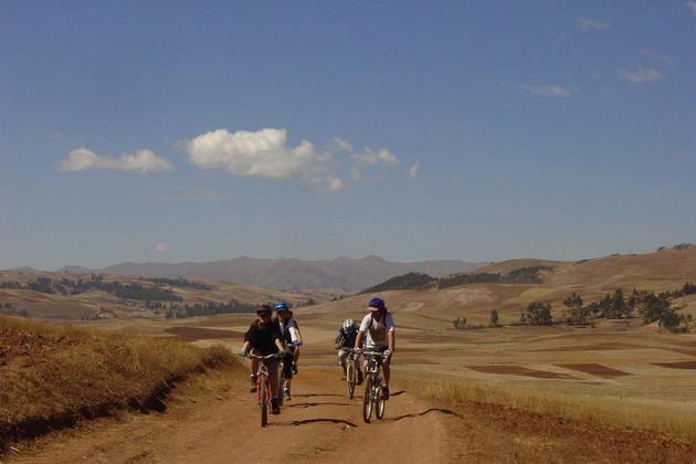 Peru sacred valley group mountain biking