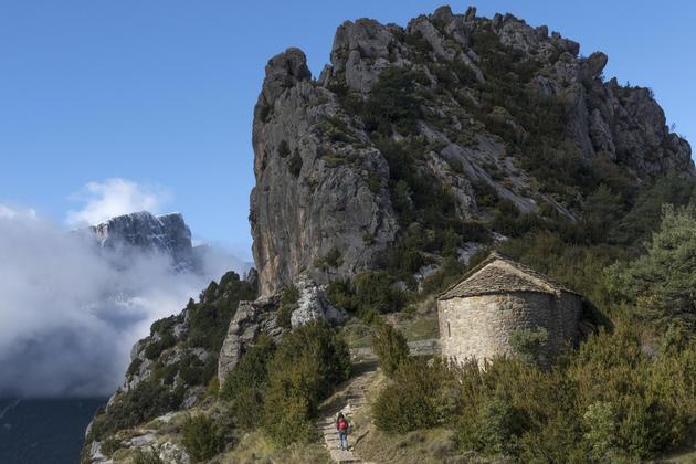 Spain aragon pyrenees ordesa tella chapel castillo mayor ruta de las hermitas