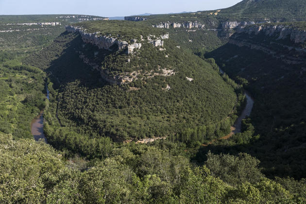 Spain burgos ebro lookout above valdelateja