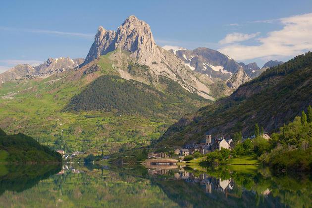 Spain huesca pyrenees tena lanuza c jipolo