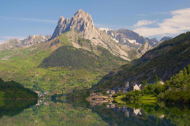 Spain huesca pyrenees tena lanuza c jipolo20180829 76980 1hjtguq