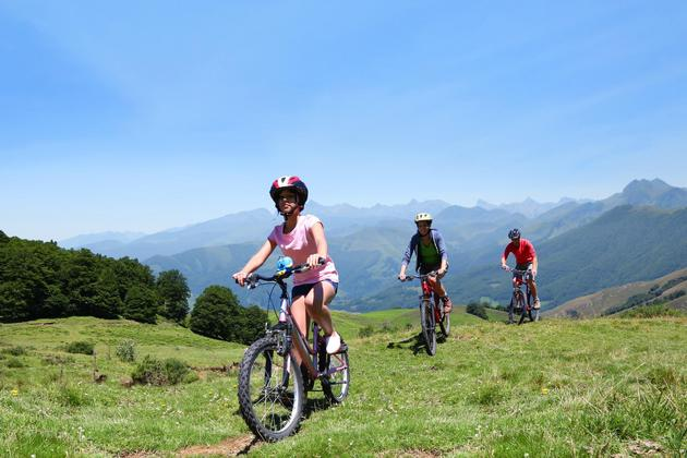 Spain picos de europa family cycling