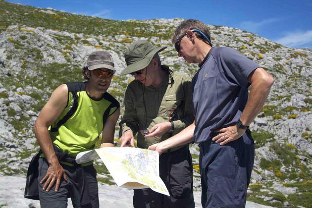 Spain picos de europa pura guide with map320180829 76980 1e7v4mq