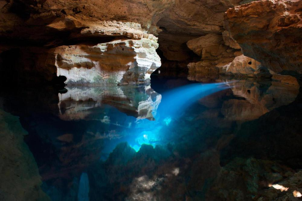 Brazil bahia chapada diamantina blue cave20180829 76980 1abzh1b