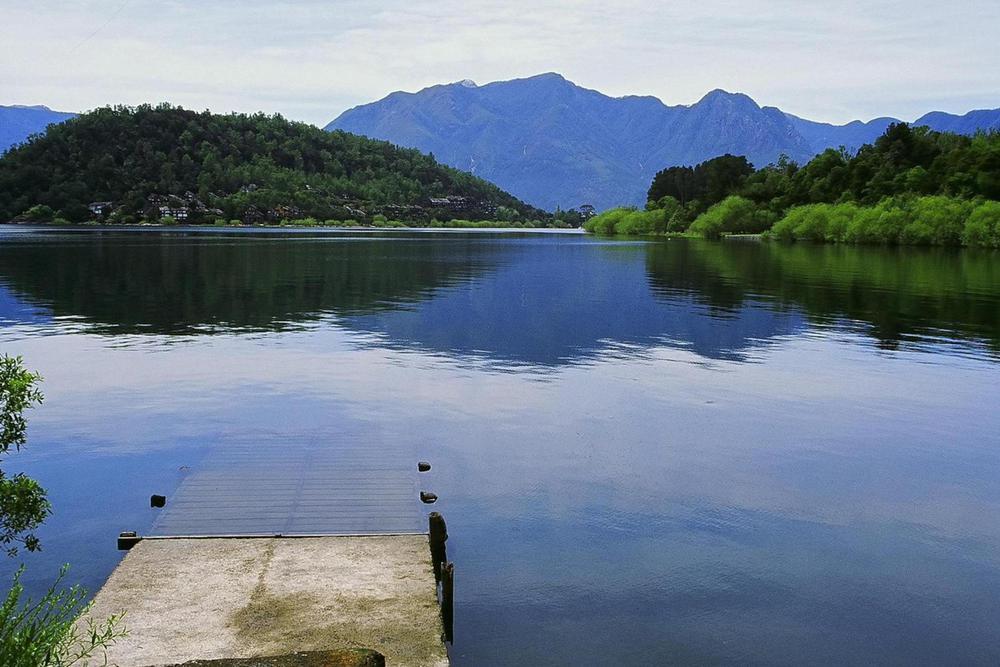 Chile lake district pucon lake villarica20180829 76980 13i8g4z