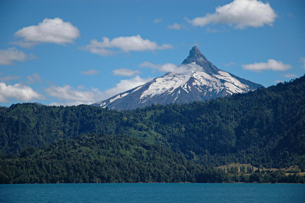 Chile lakes vicente perez rosales national park puntiagudo volcano c nathanphoto20180829 76980 rp1oem