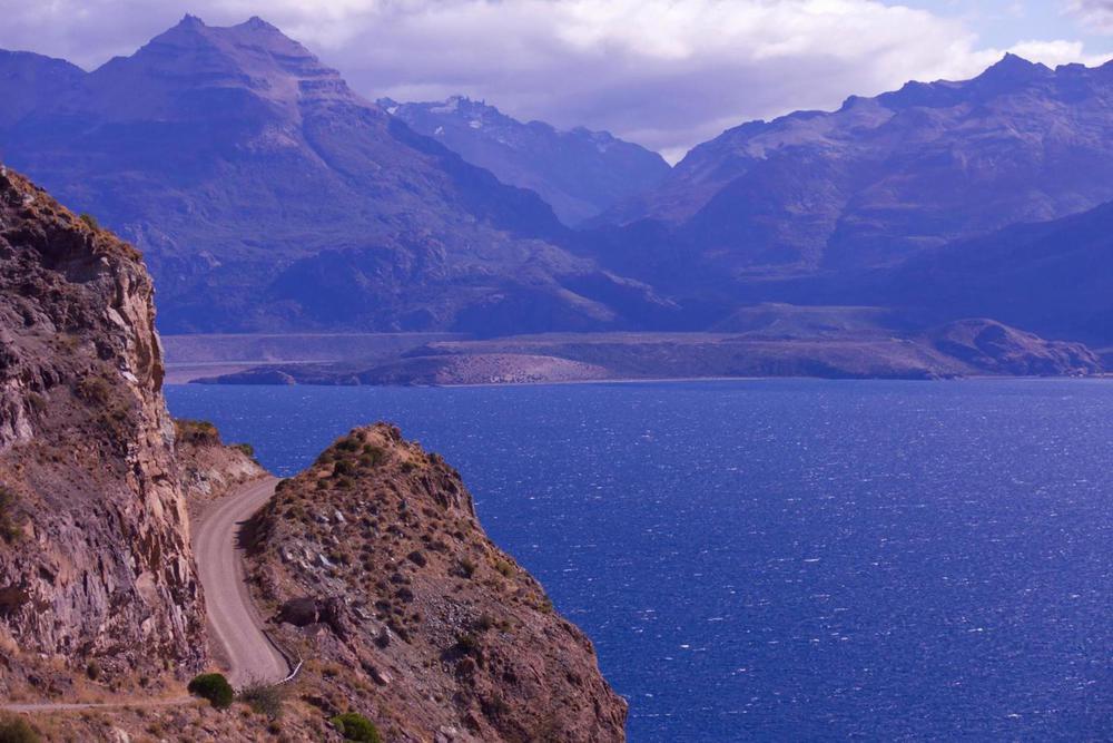 Chile patagonia carretera austral road running alongside lago general carrera from chile chico c pura aventura thomas power20180829 76980 yxe4w