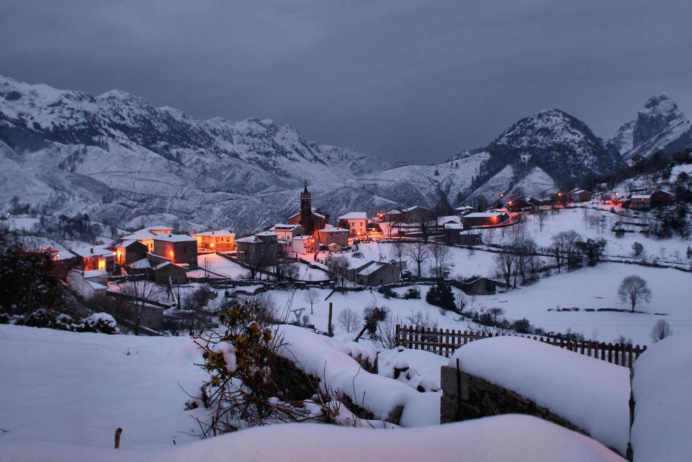 Spain asturias picos de europa alles winter c vitorribeiro