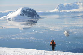 Antarctica danco island walker bay ioffe background20180829 76980 3uxfn5