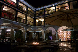Peru cusco hotel mercado courtyard20180829 76980 6p0hb6