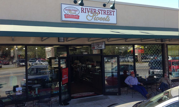 River Street Sweets, Savannah Georgia - habersham Village