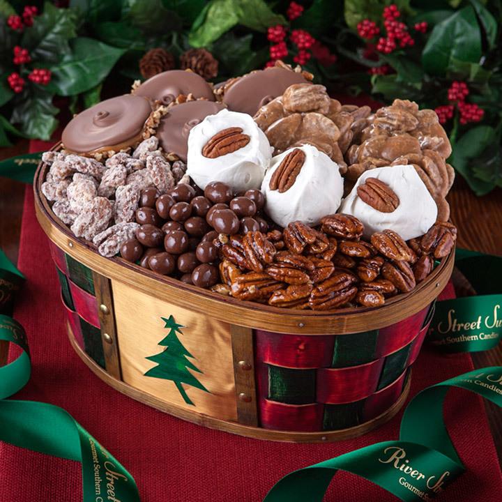 Christmas Baskets.Holiday Cheer Gift Basket