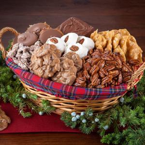 Old Fashioned Christmas Basket