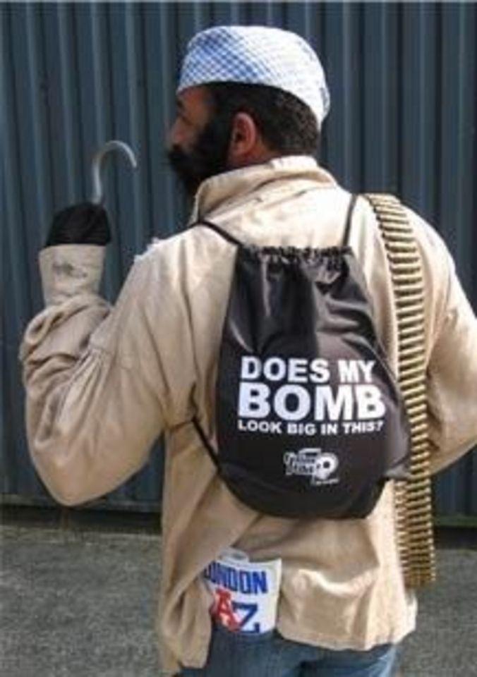 bomb bag idiot showing - 450×603
