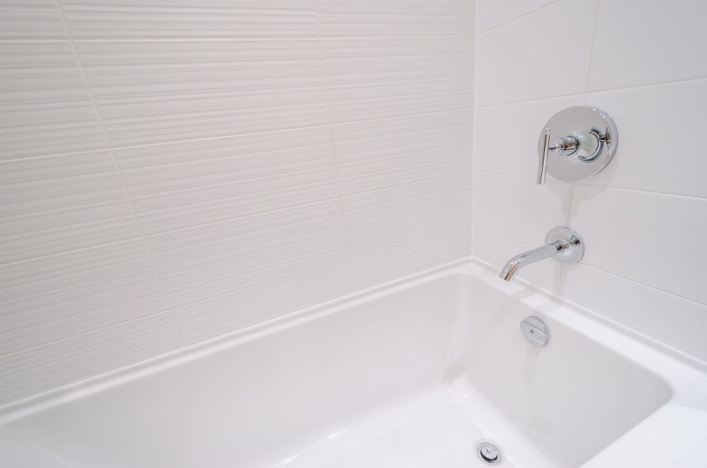 How Are Walk-In Bath Tubs Beneficial For Seniors?