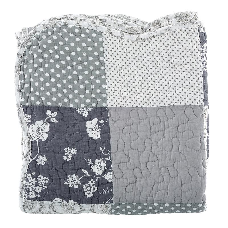 Keepsake Quilt - Gray Scallop