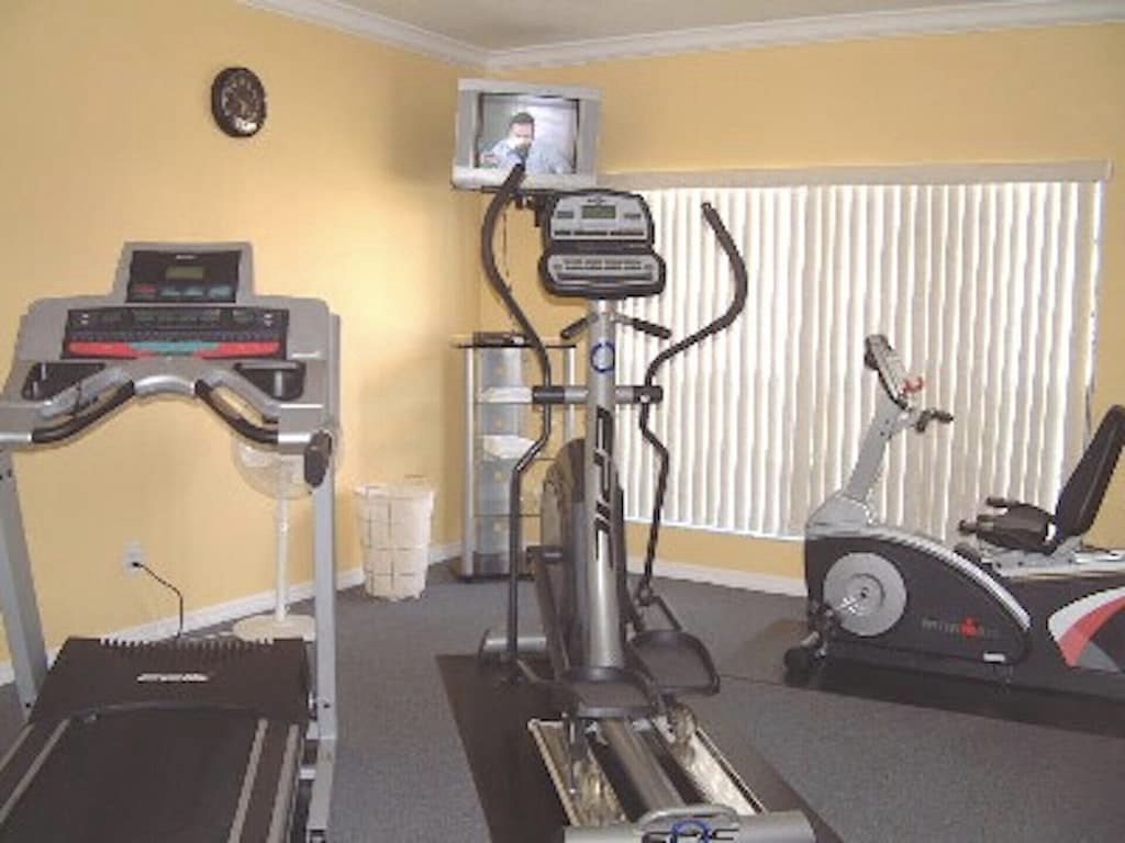 Fitness room in the clubhouse - only 2 doors down - Free unlimited use
