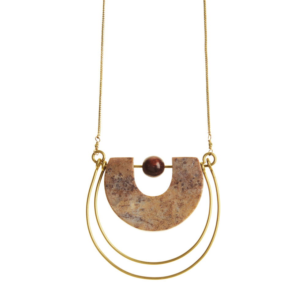 Gorara & Brass Horseshoe Necklace