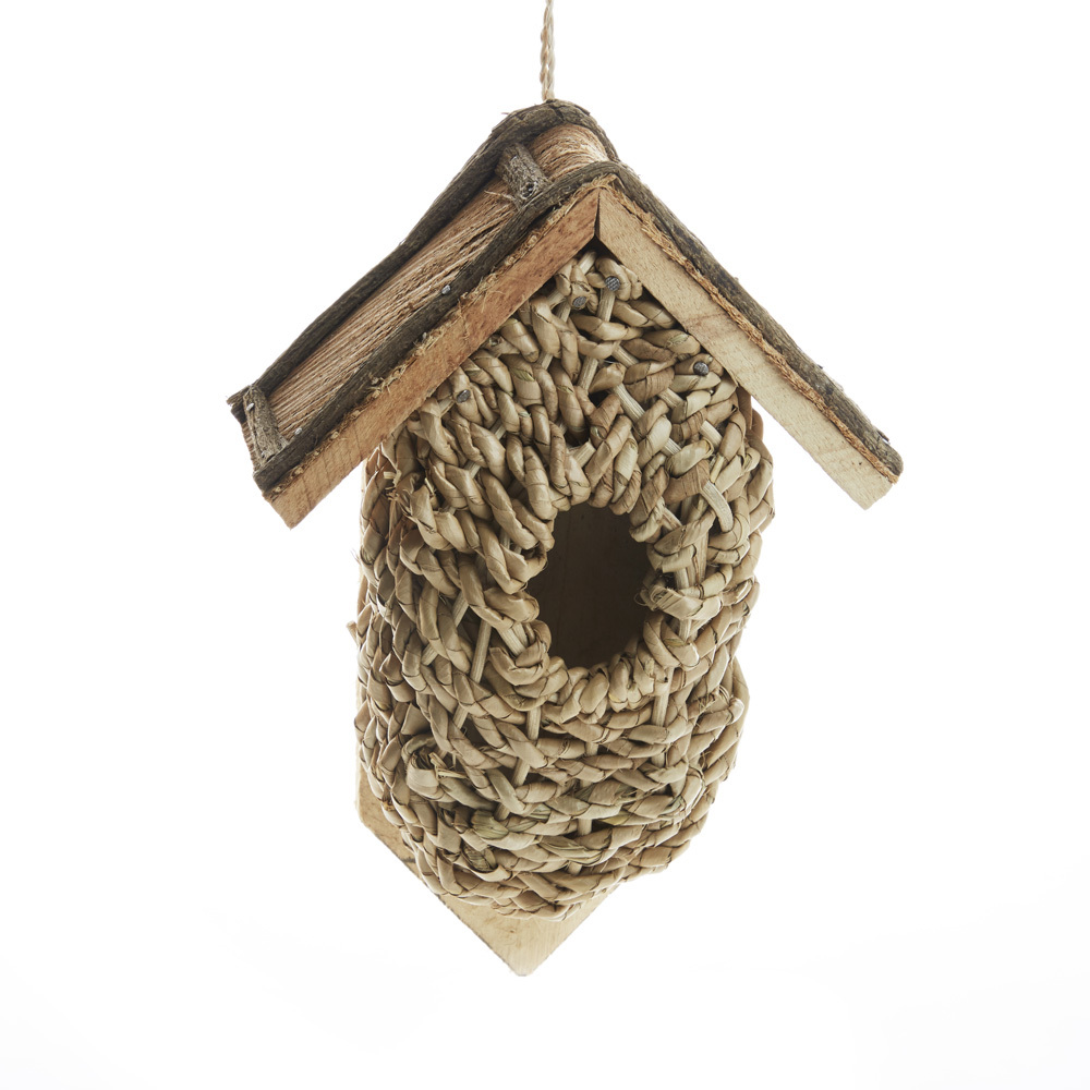 Flat-Back Basket Bird House