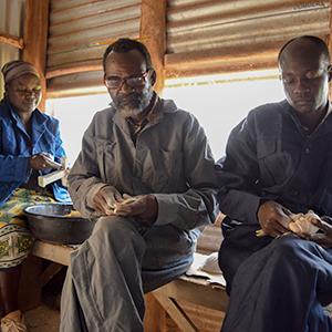 Nyabigena Soapstone Carvers
