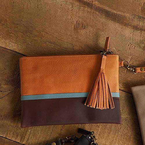 Signature Clutch - Tan Colorblock