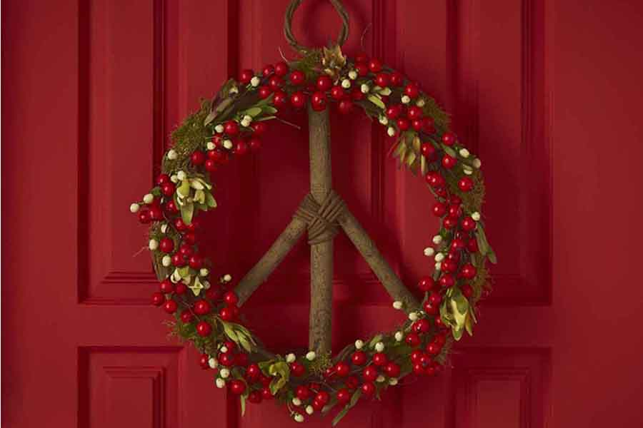How to: DIY Holiday Peace Wreath