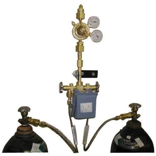 Oxygen dual manifold w/switch port