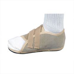 DeRoyal Pediatric Post-op Shoe, Each