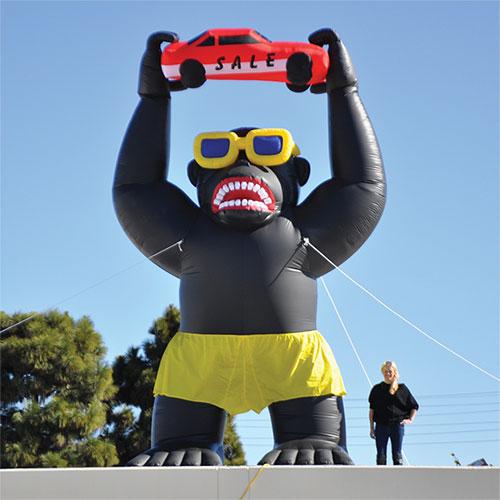 20 Inflatable Gorilla Kit Car Dealer Marketing