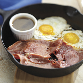 Eggs & Center Cut Country Ham Slices - Smithfield Marketplace