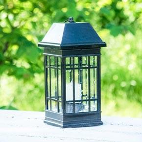 Craftsman Style Solar Lantern