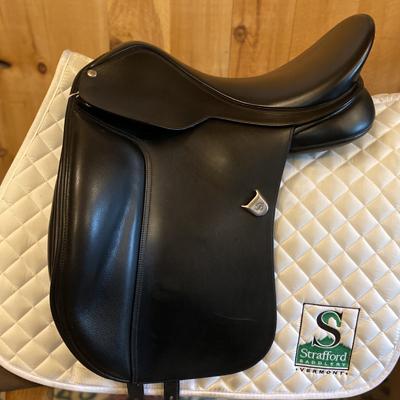 """Bates Wide Dressage Saddle-17.5""""-Adjustable-Black"""