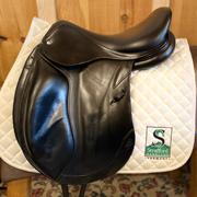 "CWD Dressage Saddle-17.5""-Medium-Black"