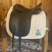 "Circut Dressage Saddle-17.5""-Medium+-Black"