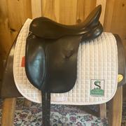 """Albion Ultima SLKII Dressage Saddle-17.5""""-MediumWide-Black"""