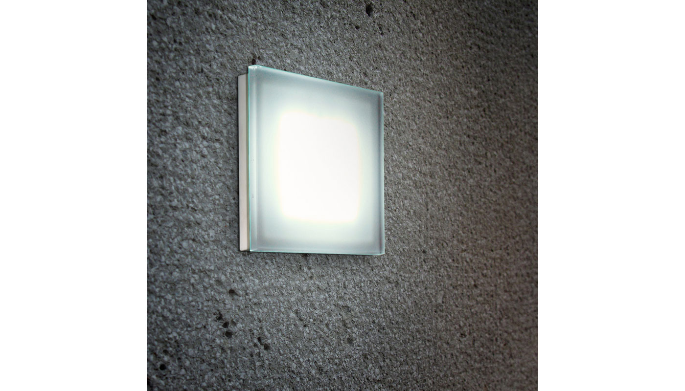 Sole Wall Light