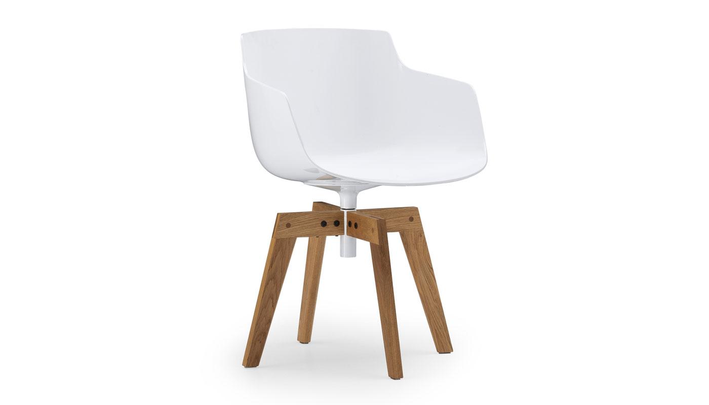 Flow Slim Chair - 4-Legged Oak