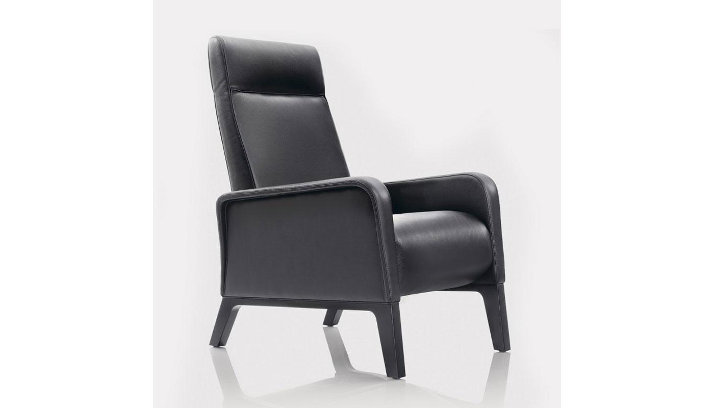Terrific Stuart Recliner By Wittmann Switch Modern Spiritservingveterans Wood Chair Design Ideas Spiritservingveteransorg