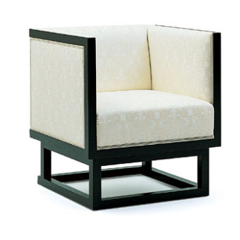 Cabinett Lounge Chair
