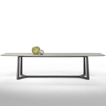 Gipsy Dining Table