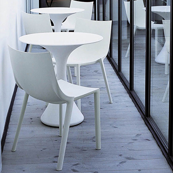 Kissi Kissi Small Table - Quickship