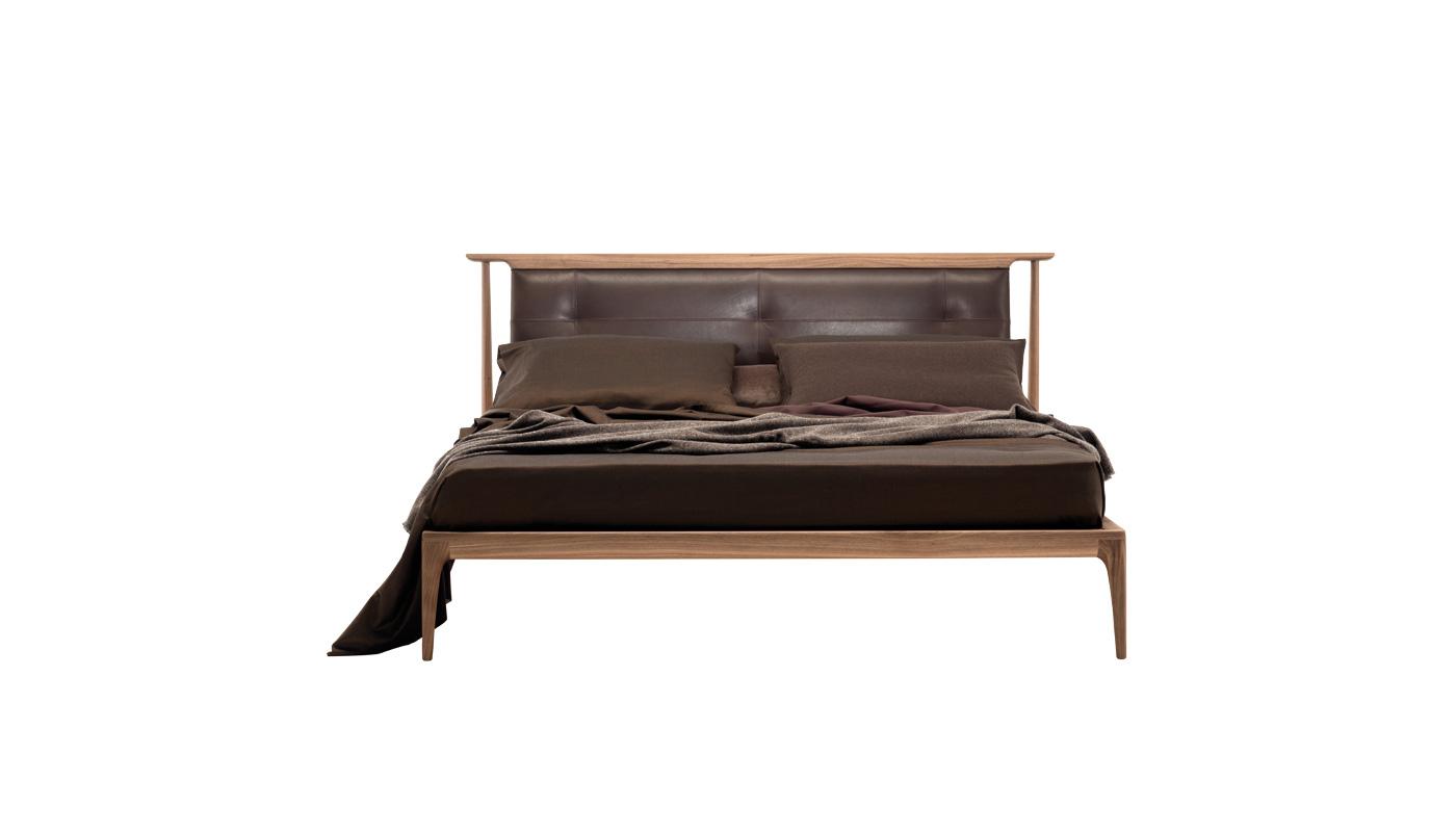 Demasiado Corazon Bed