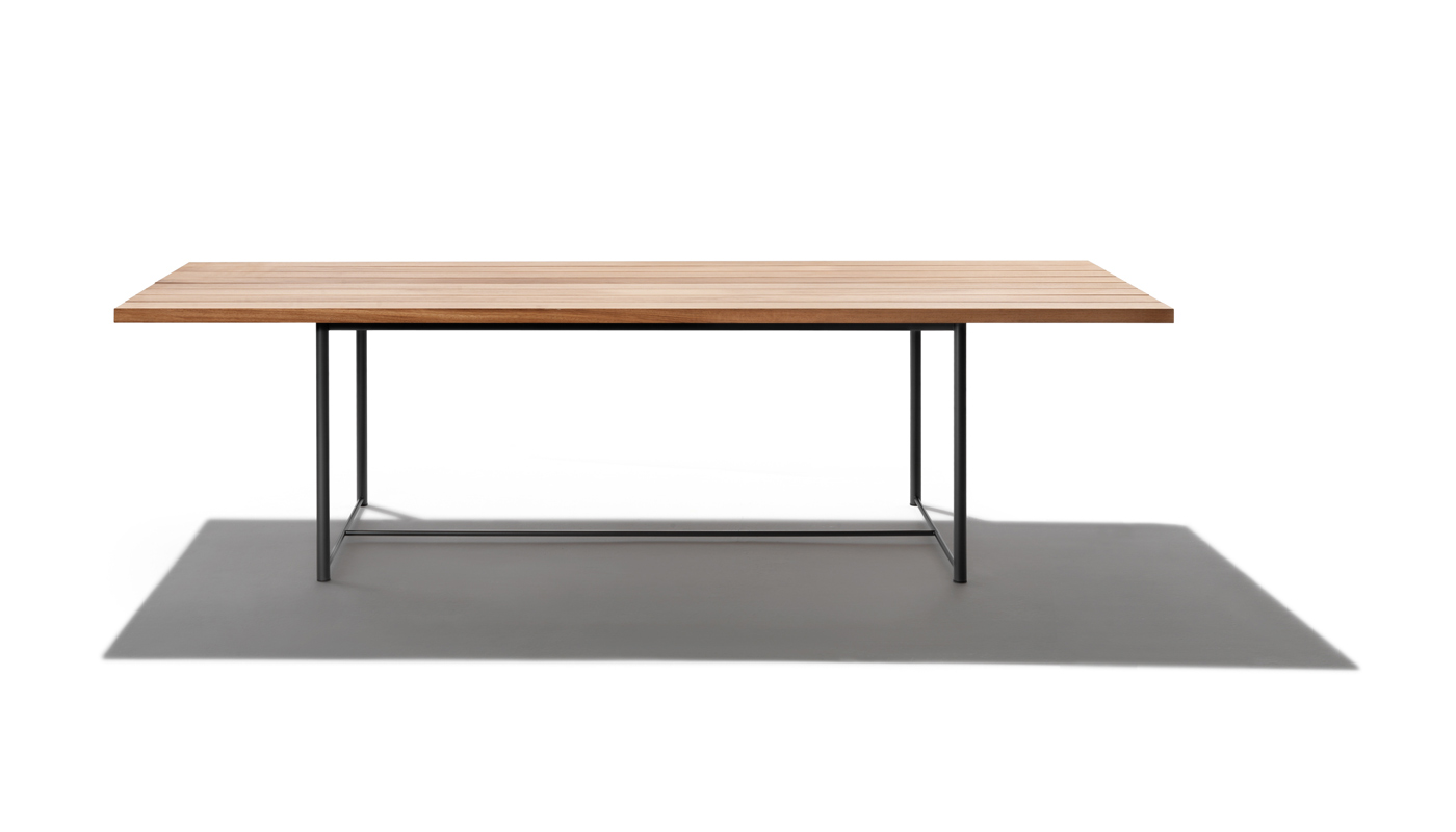Levante Outdoor Dining Table