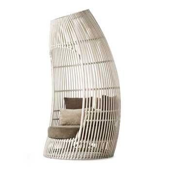 Lolah Capsule Lounge Chair