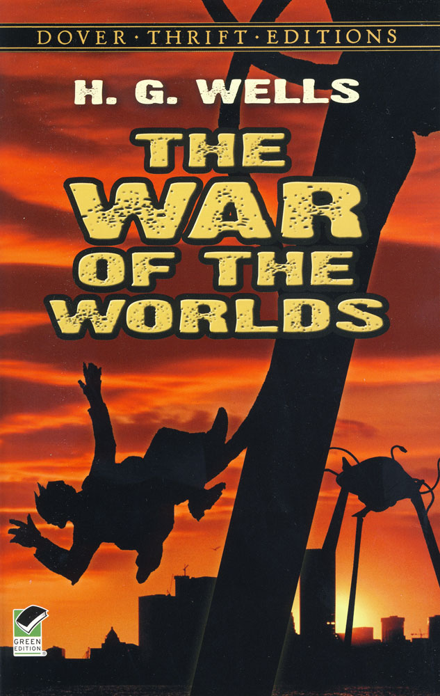 The War Of The Worlds Paperback Book (1040L)